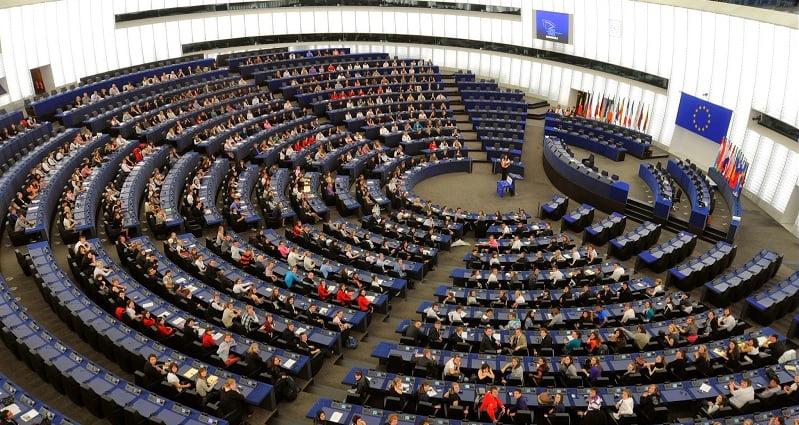 parlamento europeu artigo 13